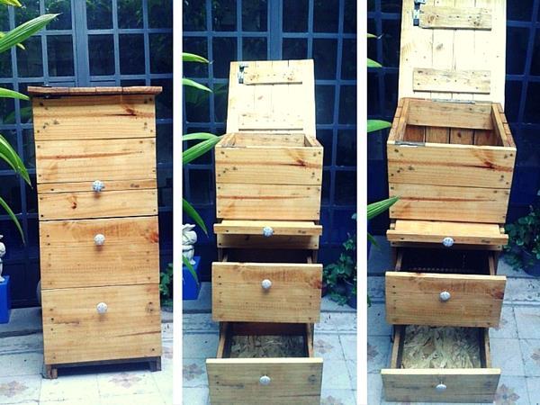 Wooden-pallet-compost-bin